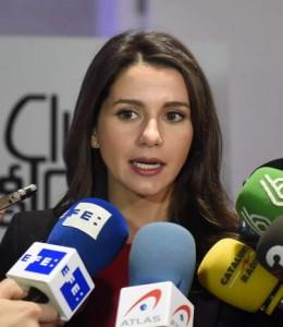Inés Arrimadas ante los medios (GTRES).