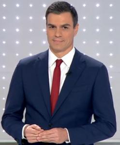 Imagen de Pedro Sánchez durante el debate a tres de la pasada campaña electoral. Gesto auto-manipulador.