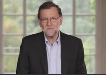 Mariano Rajoy decide aparecer sin corbata en su primer vídeo de la precampaña electoral.