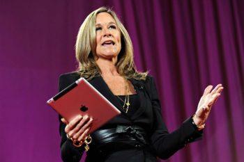 Ángela Ahrendts, directora de ventas de Apple