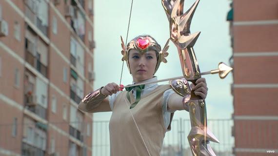 Fotograma del videoclip de la canción 'Sincericidio' de Leiva.