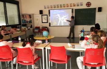 Alumnos del colegio 'Muntori de Castalla' aprendiendo sobre energía y renovables