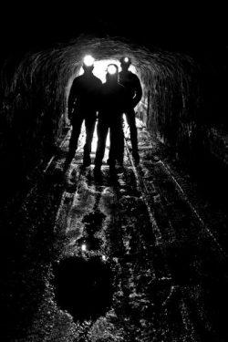 Silueta de mineros