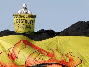 Detención del mercante C. Summit en Tarragona