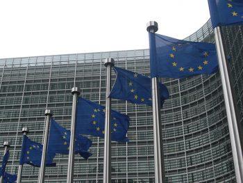 Comisión Europea banderas