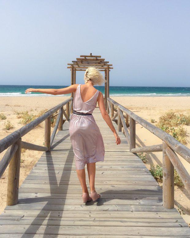 Adriana Abenia playa