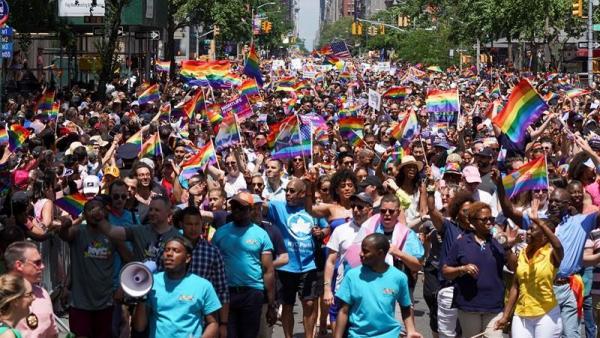 Marcha del Orgullo durante el WorldPride, en la Quinta Avenida de Manhattan (Nueva York)