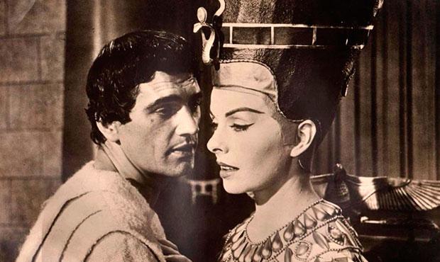 Nefertiti reina del Nilo 1961