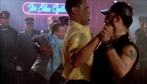 Milá, bailando con un amigo en The Blue Oyster