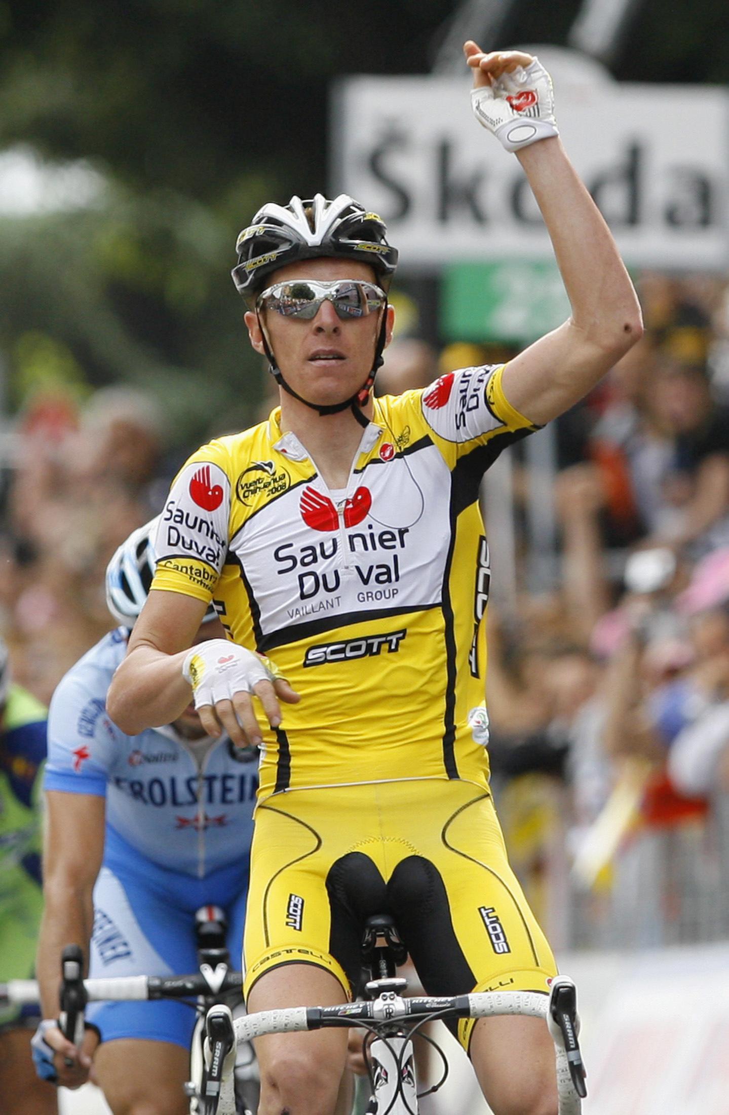 Riccardo Riccò, celebrando una victoria en el Giro de 2008 (Archivo 20minutos).