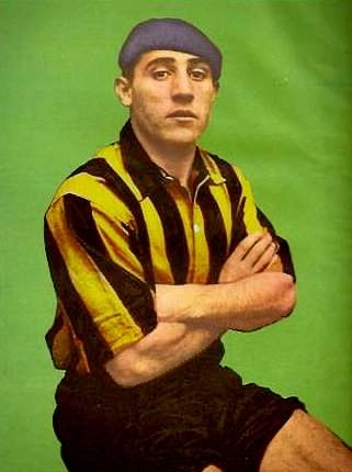 Severino Valera, luciendo los colores de Peñarol en 1938 (WIKIPEDIA).