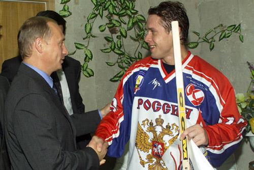Bure, con Putin en 2001 (WIKIPEDIA).