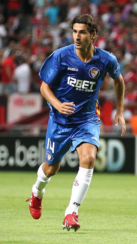 Escudé, jugando con el Sevilla en Braga en la Champions 10/11 (GTRES).