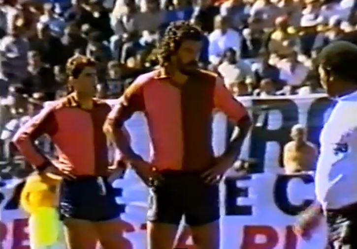 Sócrates, con la camiseta del Corinthan-Casuals FC en 1988 (YOUTUBE).