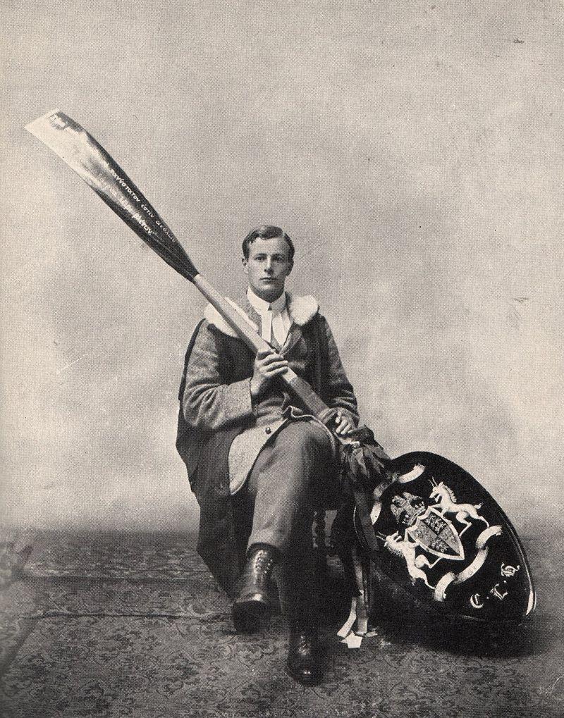 Cuthbert Lempriere Holthouse, remero de Cambridge, en 1910 (WIKIPEDIA).