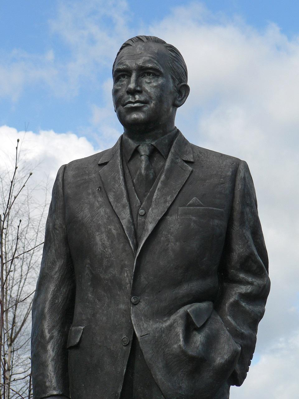 Detalle de la estatua de Ramsey en Ipswich (WIKIPEDIA).