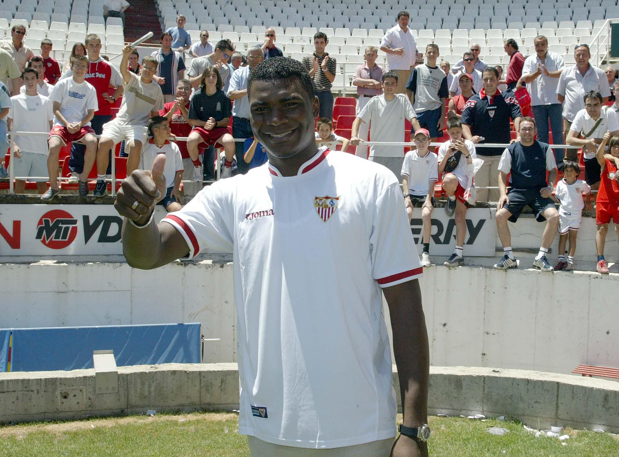 Makukula, en su presentación con el Sevilla en 2004 (Archivo 20minutos).