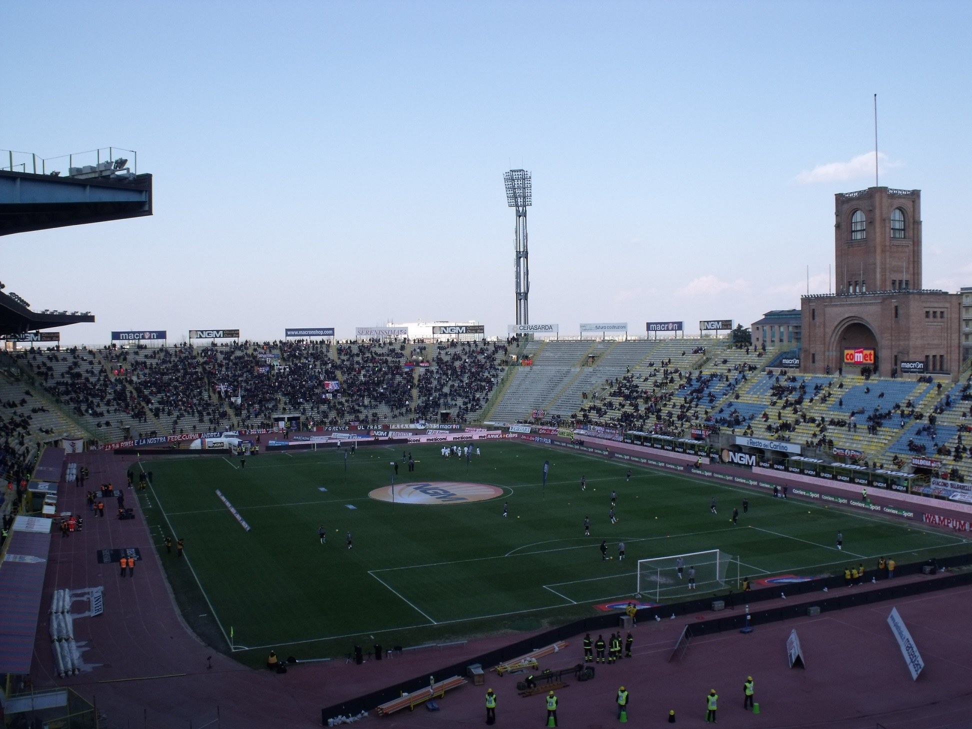 Otra vista del estadio (WIKIPEDIA).