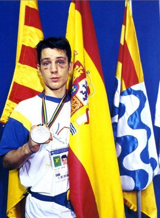 Faustino Reyes, con su medalla (ARCHIVO).