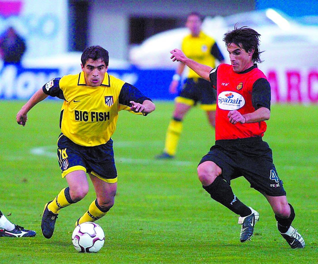 Ibagaza, con el Atleti y ante su exequipo en un partido de Liga de la temporada 2003/2004 (Archivo 20minutos).