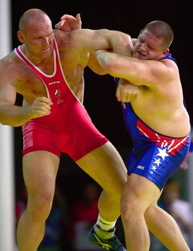Karelin, a la izquierda, en la final de su categoría en Sydney 2000 (GTRES).