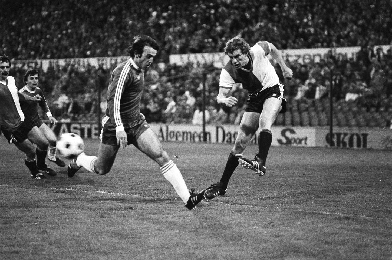 El Dínamo, en semifinales de la Recopa del 81 ante el Feyenoord (WIKIPEDIA).