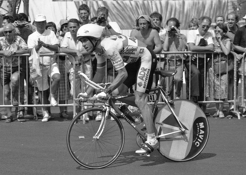 LeMond, en la mítica contrarreloj de 1989 (WIKIPEDIA).