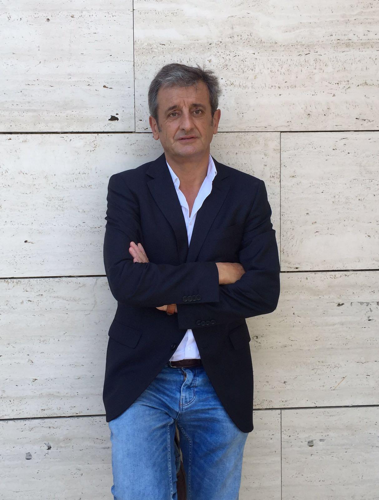 El expioloto Luis Moya, en una imagen actual (cedida).