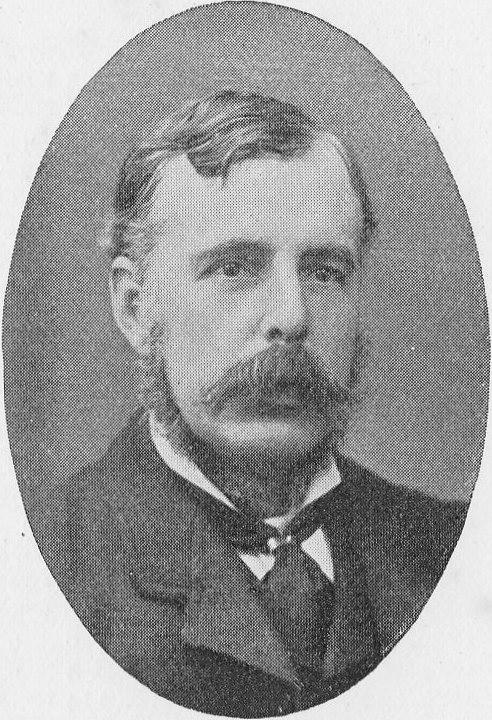 C. W. Alcock, en 1897 (WIKIPEDIA).