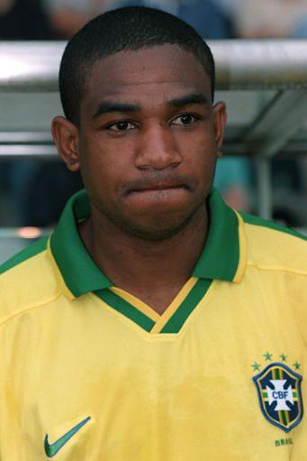 César Sampaio, con la camiseta de la selección brasileña (WIKIPEDIA).