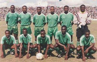 Once titular de la selección de Zambia en la época del accidente mortal (YOUTUBE).