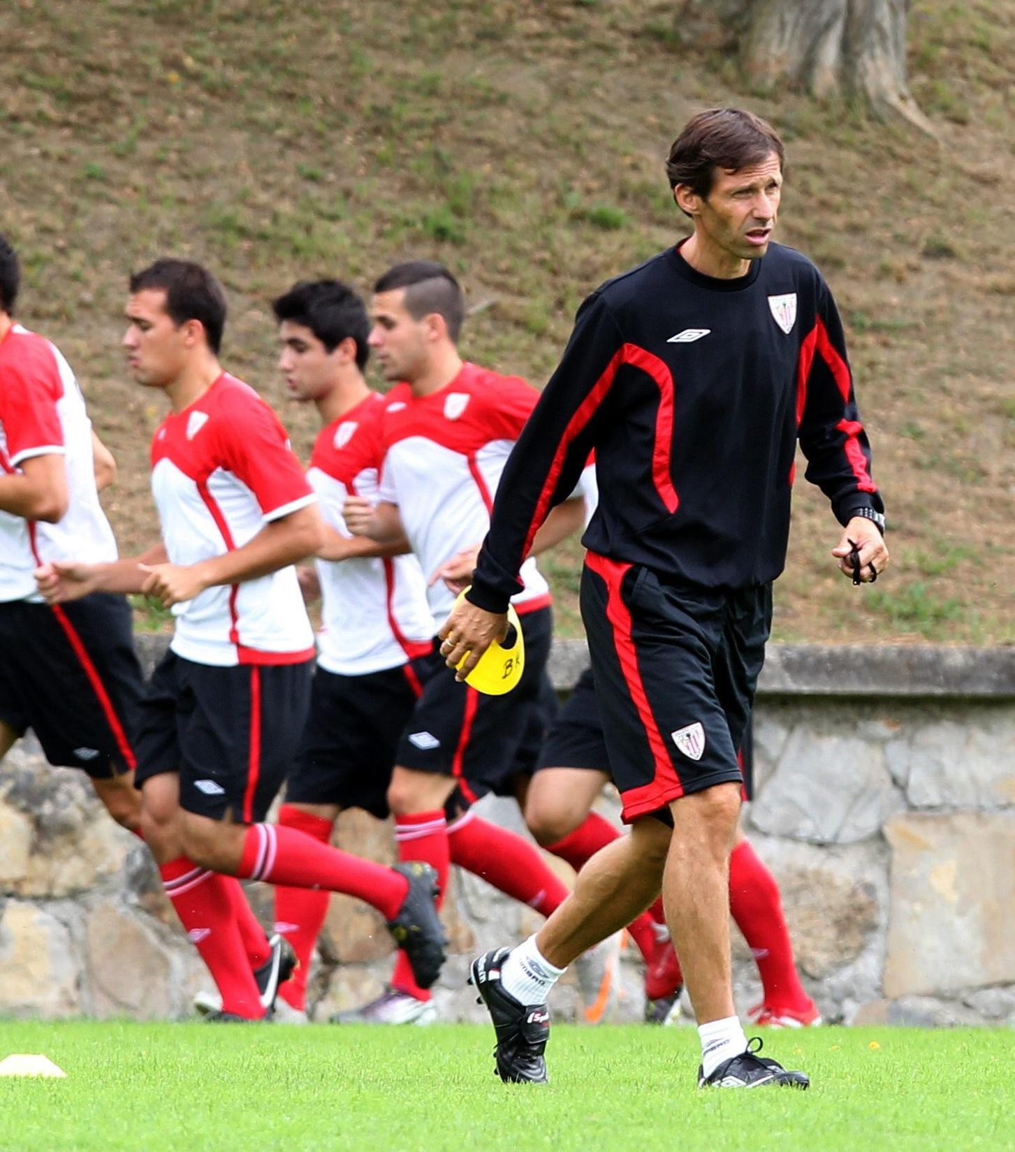 Ziganda, dirigiendo un entrenamiento del filial del Athletic (Archivo 20minutos).