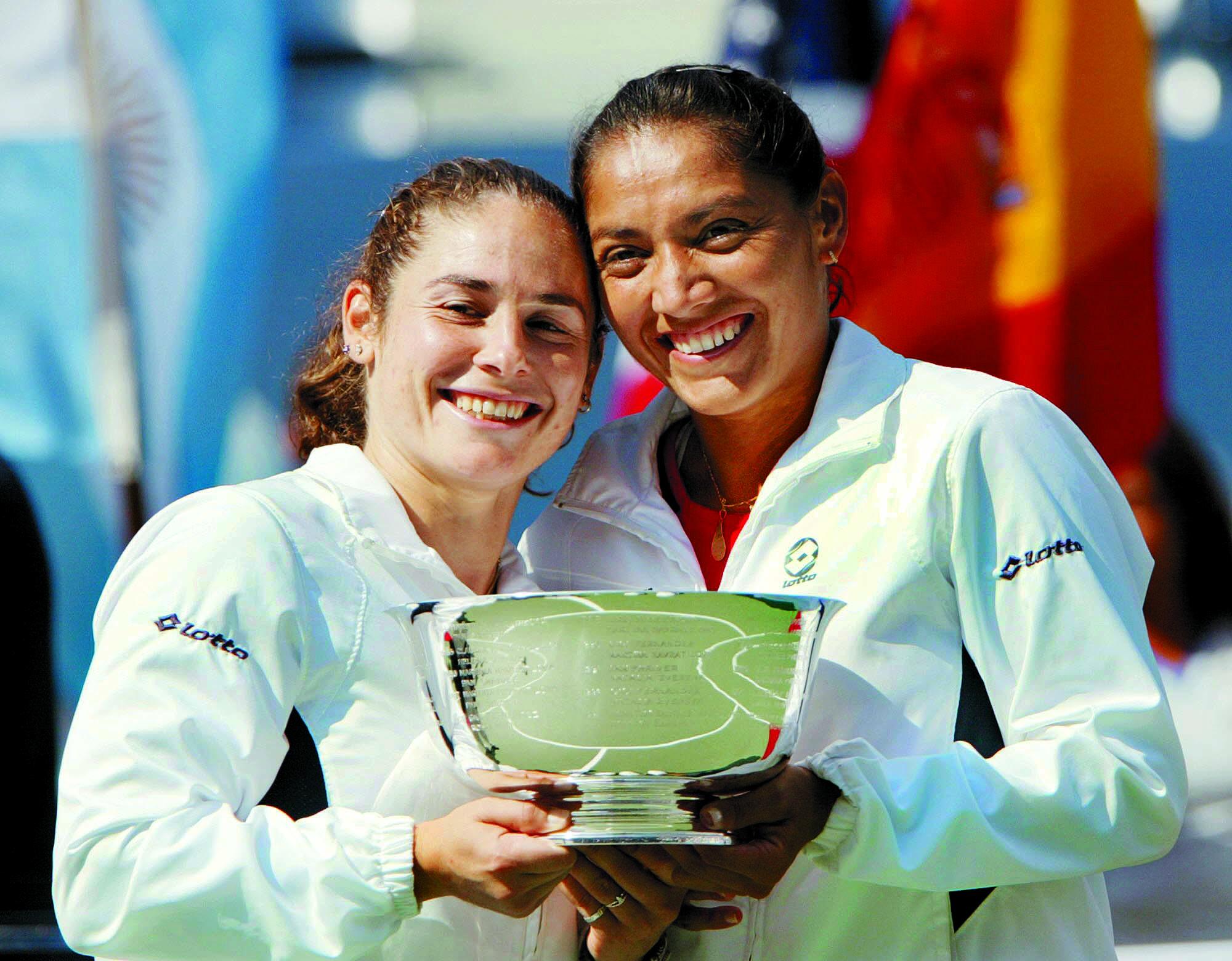 Vivi Ruano y Paola Suárez, tras ganar el US Open en 2004 (Archivo 20minutos).