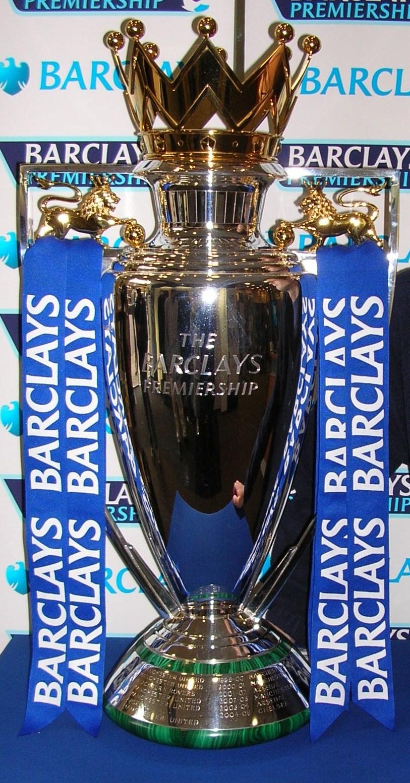 El trofeo de la Premier (WIKIPEDIA).
