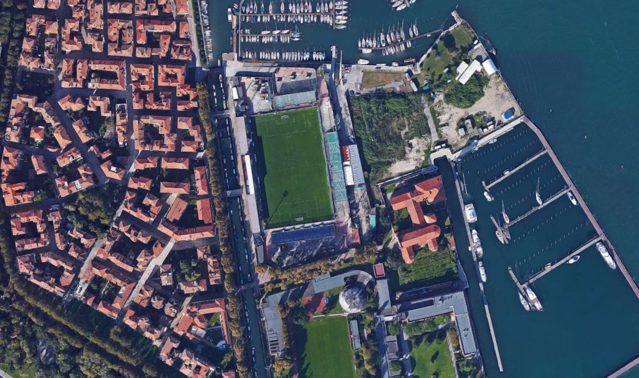 Vista aérea del estadio (Google Street View).