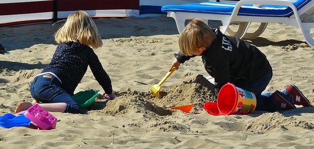 children_sand