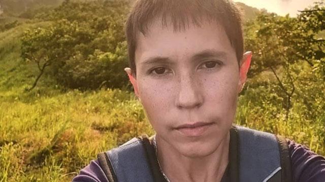Niña que parece tener 16 años porno Tiene 32 Anos Pero Parece Un Nino De 13 Asi Es Denis El Hombre Que No Envejece