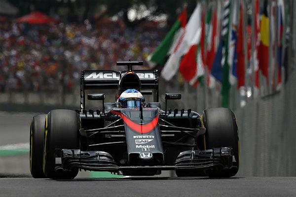 Fernando Alonso, en Abu Dhabi (Foto: McLaren).