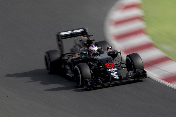 Jenson Button, al volante del Mclaren en Montmeló (Foto: Efe).