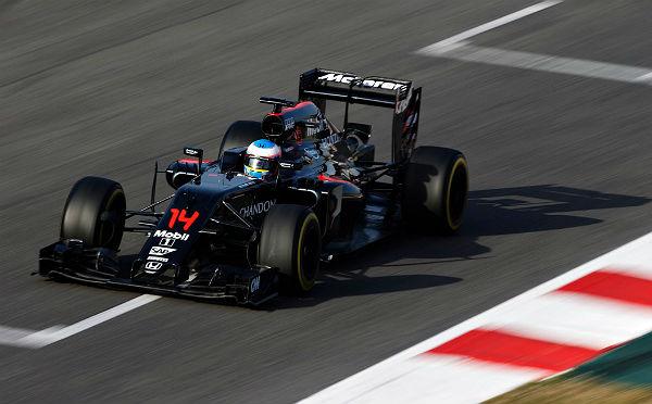 Fernando Alonso, en Montmeló (Foto: Efe).