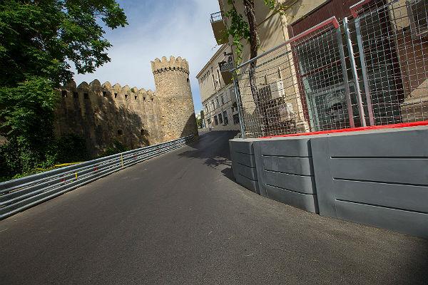 El tramo junto a la muralla del circuito de Bakú (Foto: Baku Street Circuit).