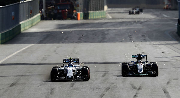 Bottas adelanta a Hamilton en Bakú (Foto: Williams).