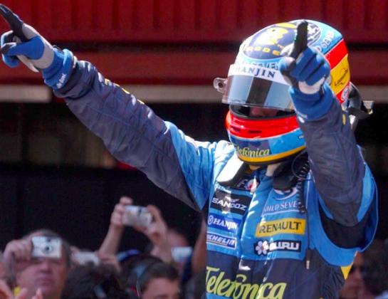 Alonso, celebrando su segundo mundial con Renault (se me cae la lagrimilla...).