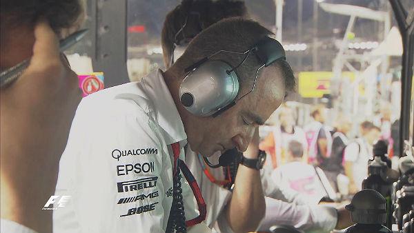 Paddy Lowe, ordenándole a Hamilton que incrementara el ritmo en Abu Dhabi.