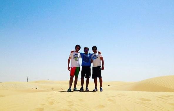 Fernando Alonso ha colgado esta imagen, en el desierto de Dubái, en su cuenta de Instagram