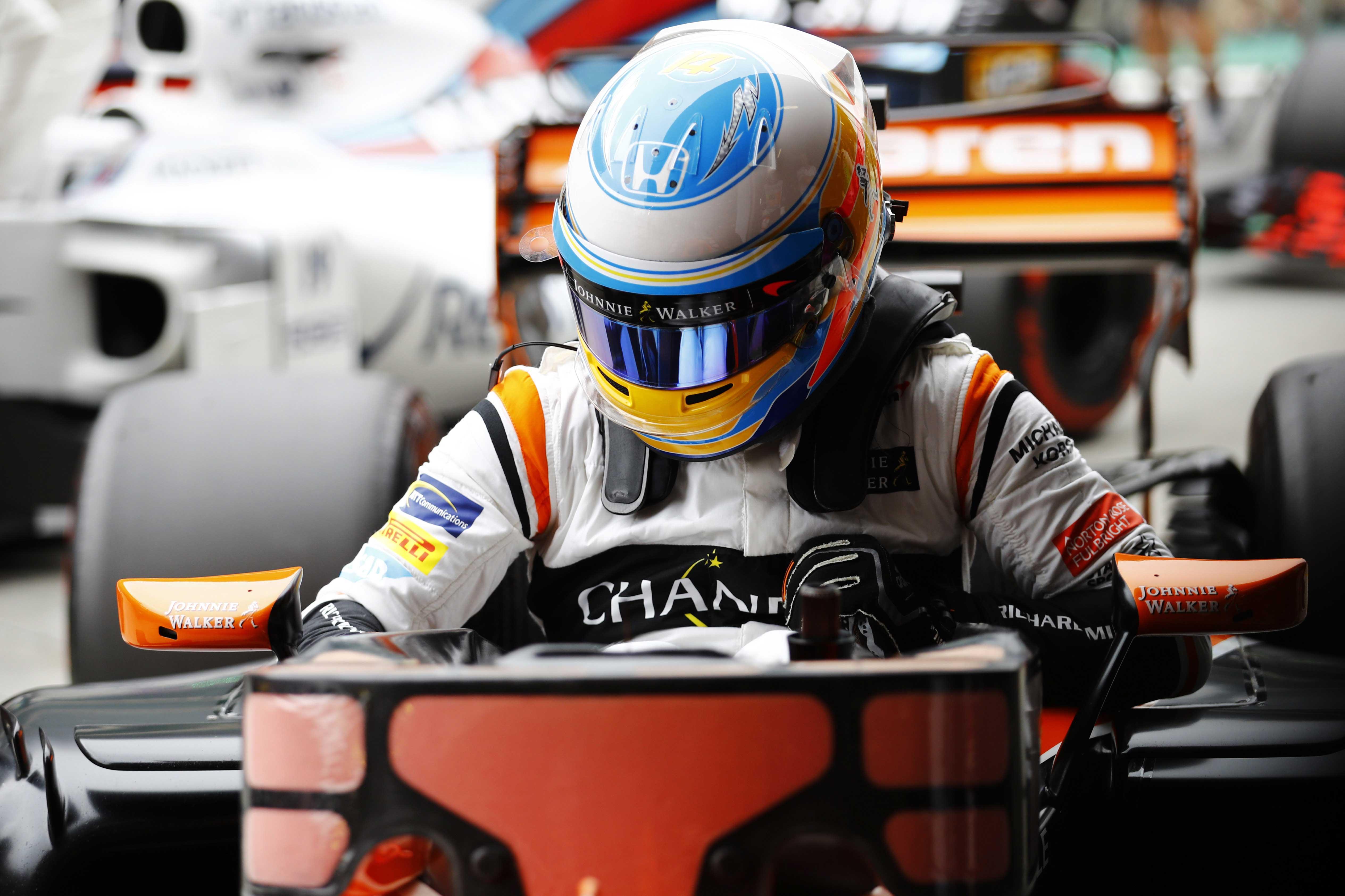 El motor Renault ha encajado a la perfección en el McLaren de Alonso