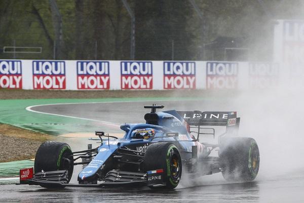 """¿Hay algo positivo en la carrera de Alonso en Imola"""""""