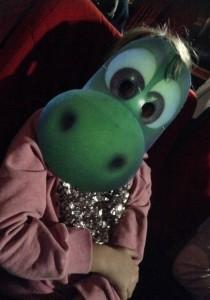Julia dispuesta a ver la última película de Pixar.