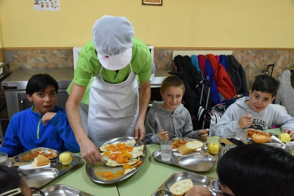 Habla una monitora de un comedor escolar que est for Comedor de escuela