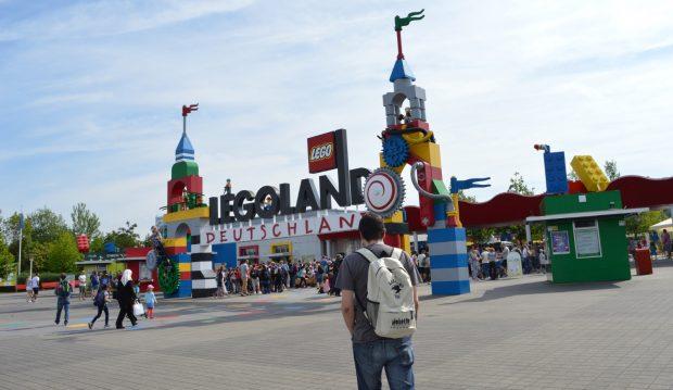 múltiples colores adecuado para hombres/mujeres estilos de moda Un día en Legoland Alemania, un parque temático ideal para ...